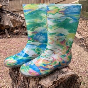 DSW Multi Colored Rainboots Size 8 $120 NEW